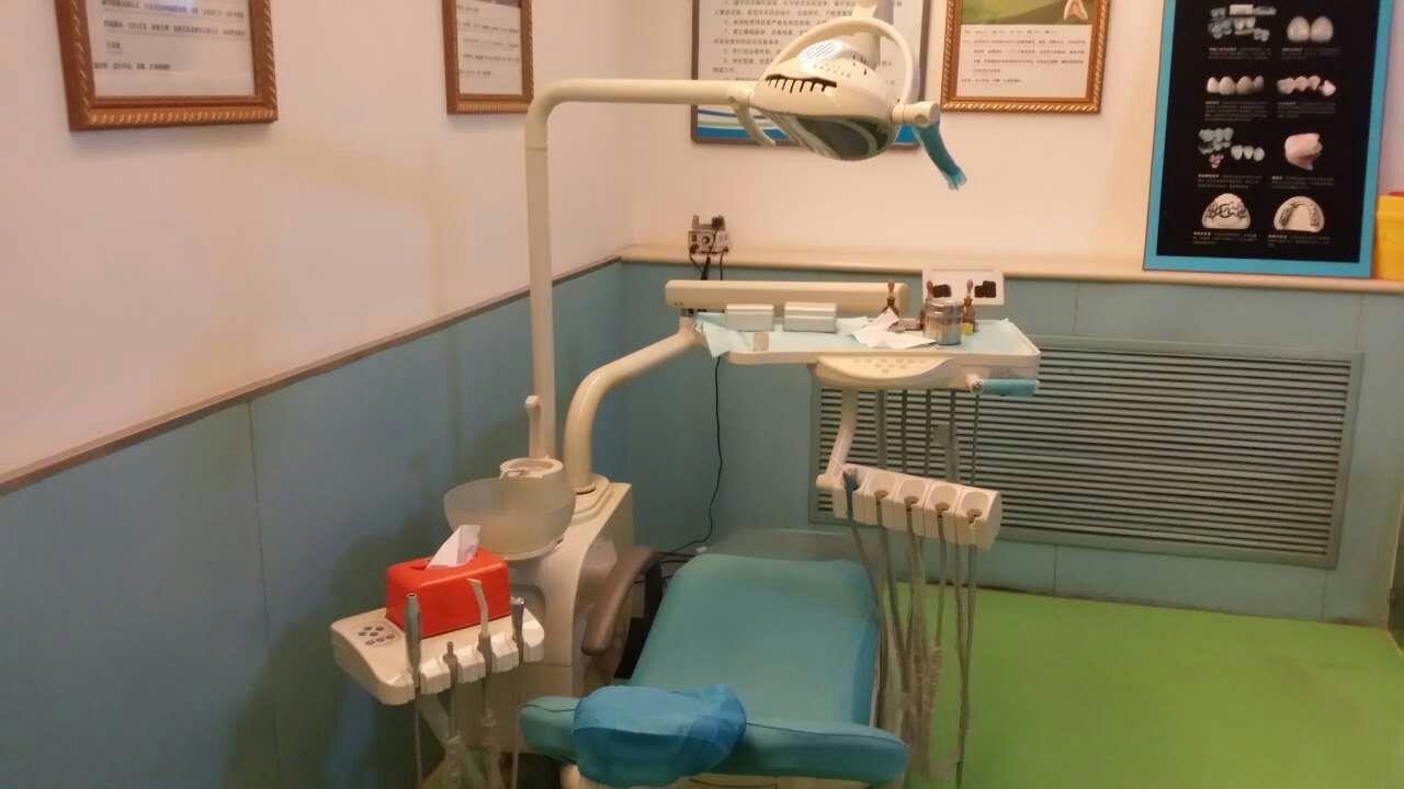牙科综合治疗台 <br&gt 二手  价格:2200 <br> <img src=http://p.kqzp.cn/img/up/img/57317f83969cf.jpg